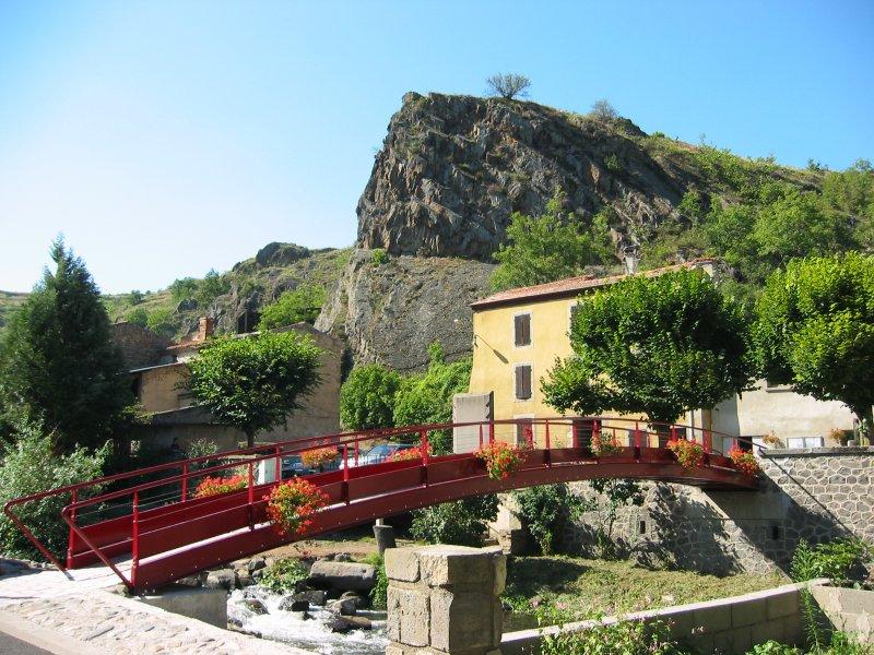 pont-sur-la-couze-pavin